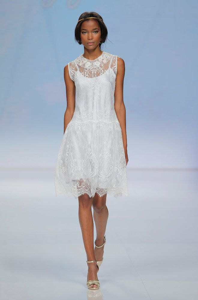 Rembo styling — Catwalk 2017 — Plume: Short lace dress with light ...