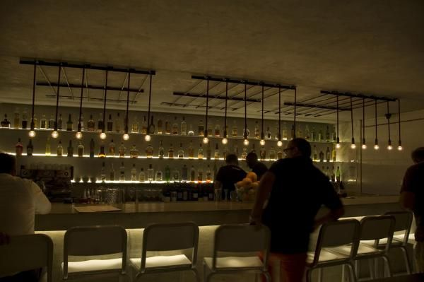 Workshop kitchen + bar, USA Lighting by PSLab.