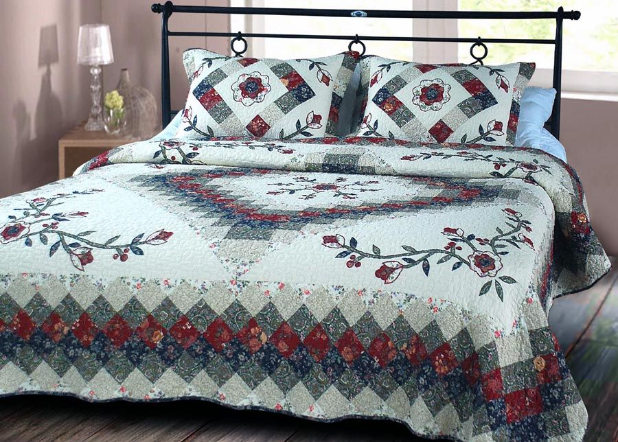 Vibrant Color Combinations Wonderful Designs And Exceptional Value The Quilt Set Includes The Quilt And Standard Sham S King Quilt Quilt Bedding Quilt Sets