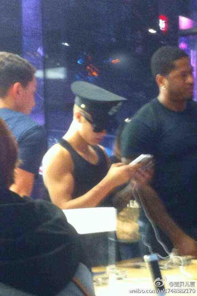 HIS ARMS ♡