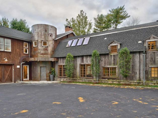 Historic converted barn offers 21st-century amenities | Grain silo ...