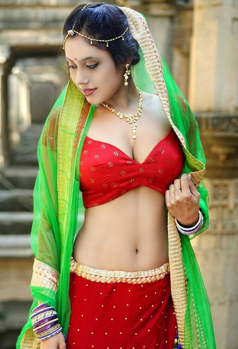 Kashmiri hot bra images, whats new pussy bare breasts