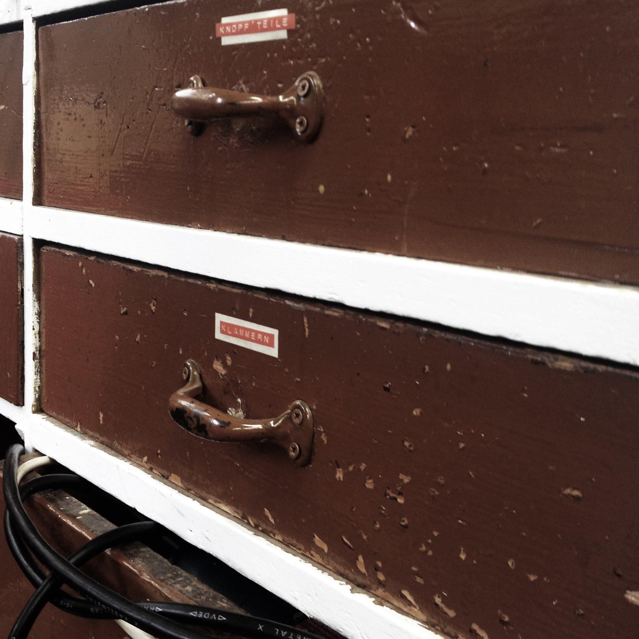 upholstery // design // interior // interior design // old // new // raumausstattung // werkstatt // wood // vintage www.raum-steffens.de
