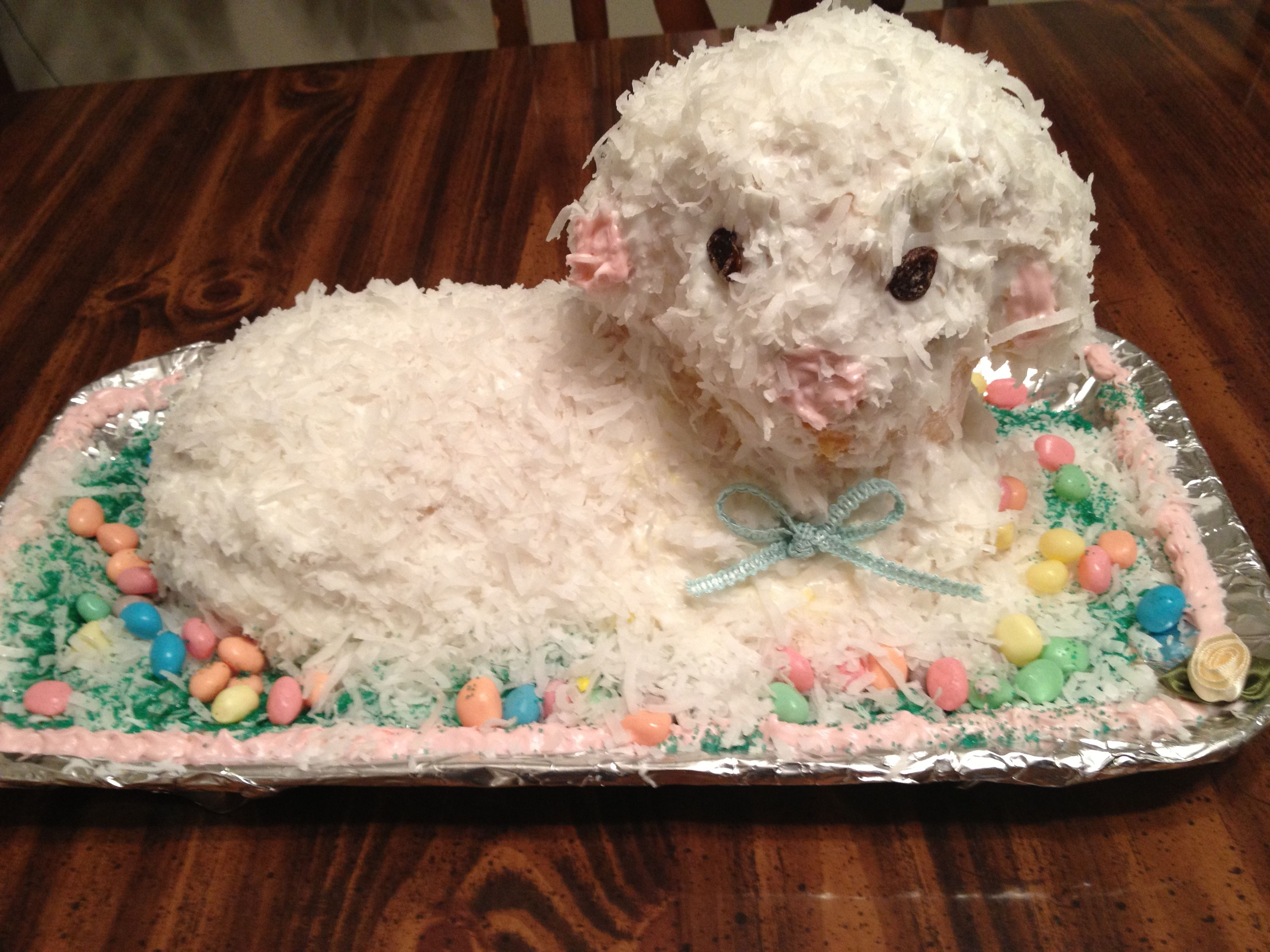 Easter lamb cake !