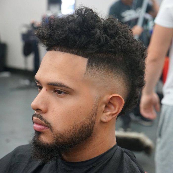 Corte de cabello afro para hombre