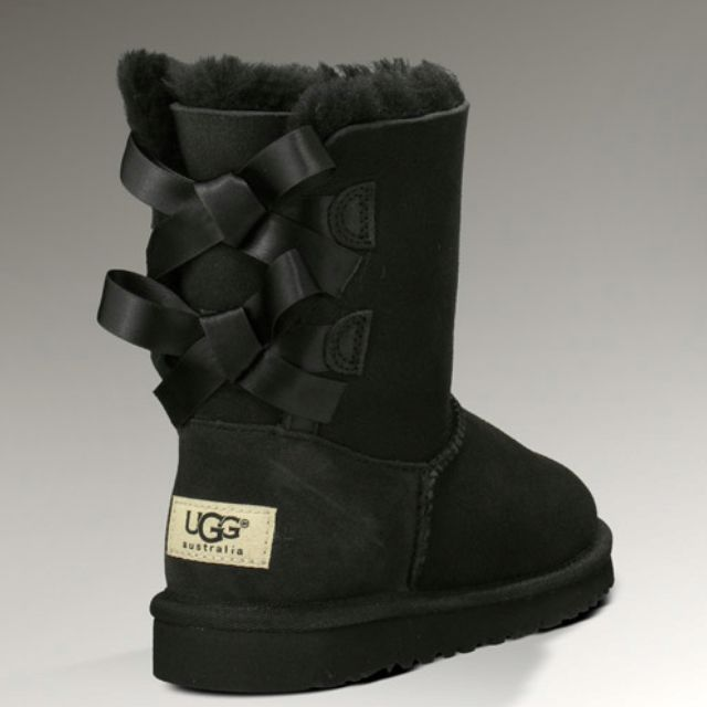 Bow Back Uggs! In black or pink!