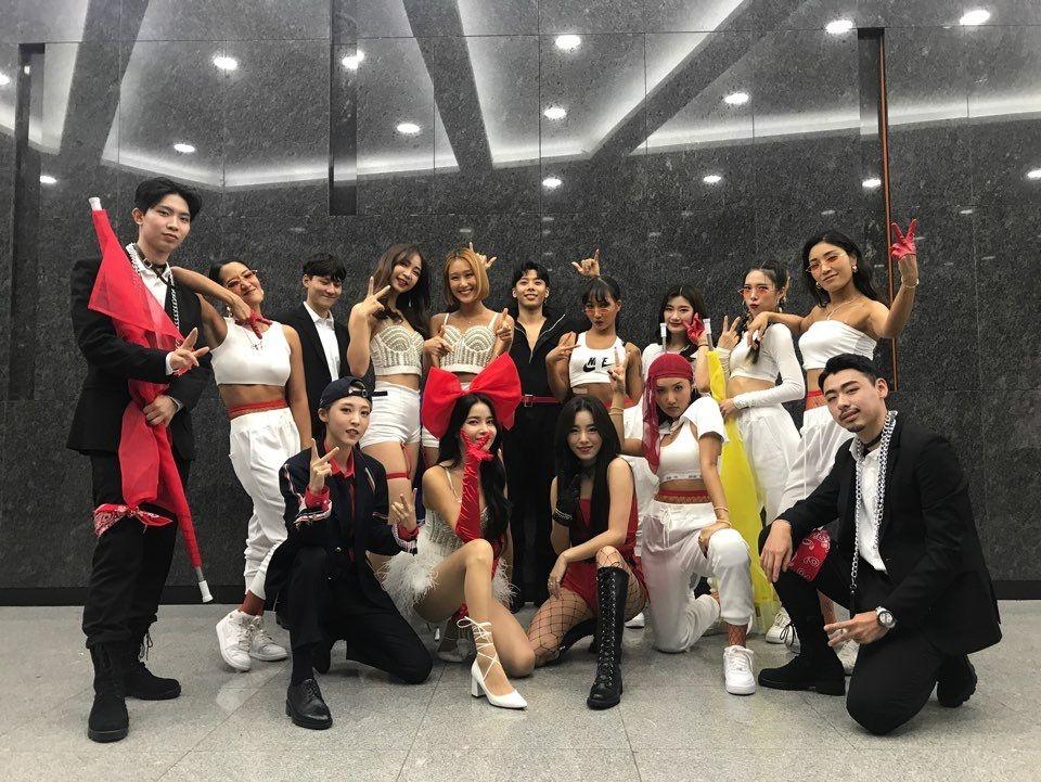Mamamoo X Amazing Backup Dancers Queendom Mamamoo Mamamoo Moonbyul Moonbyul