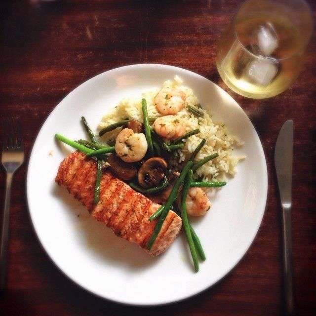 Grilled Dill #Salmon, Garlic Shrimp, Saffran Rice and Sauteed Vegetables served with a Pinot Grillo on ice.  All #Organic.