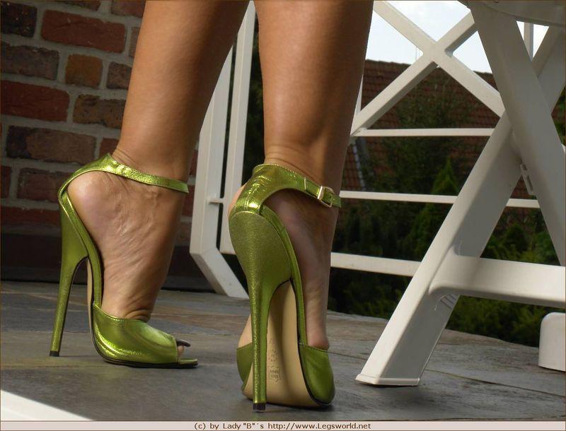 Lady barbara high heels pity