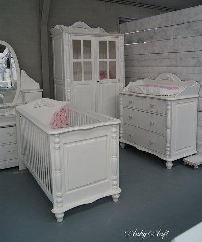 landelijke babykamer met ornamenten www.aukgaaf.nl - brocante, Deco ideeën