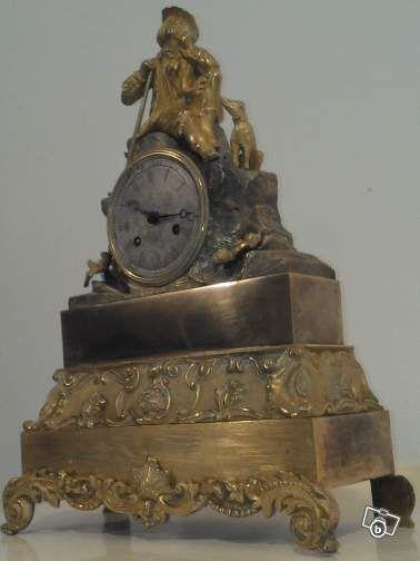 Pendule Bronze Dore Au Mercure Mouvement De Paris