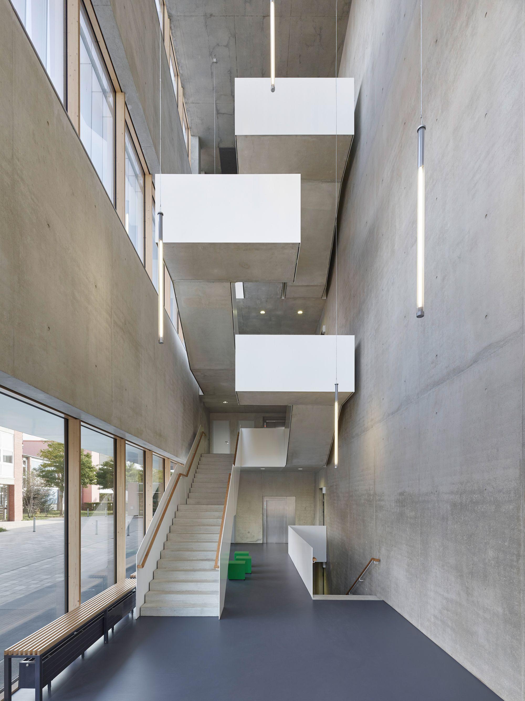 Treppen architektur detail  Wandelbare Fassade: Sporthalle von h4a architekten | Fassaden ...
