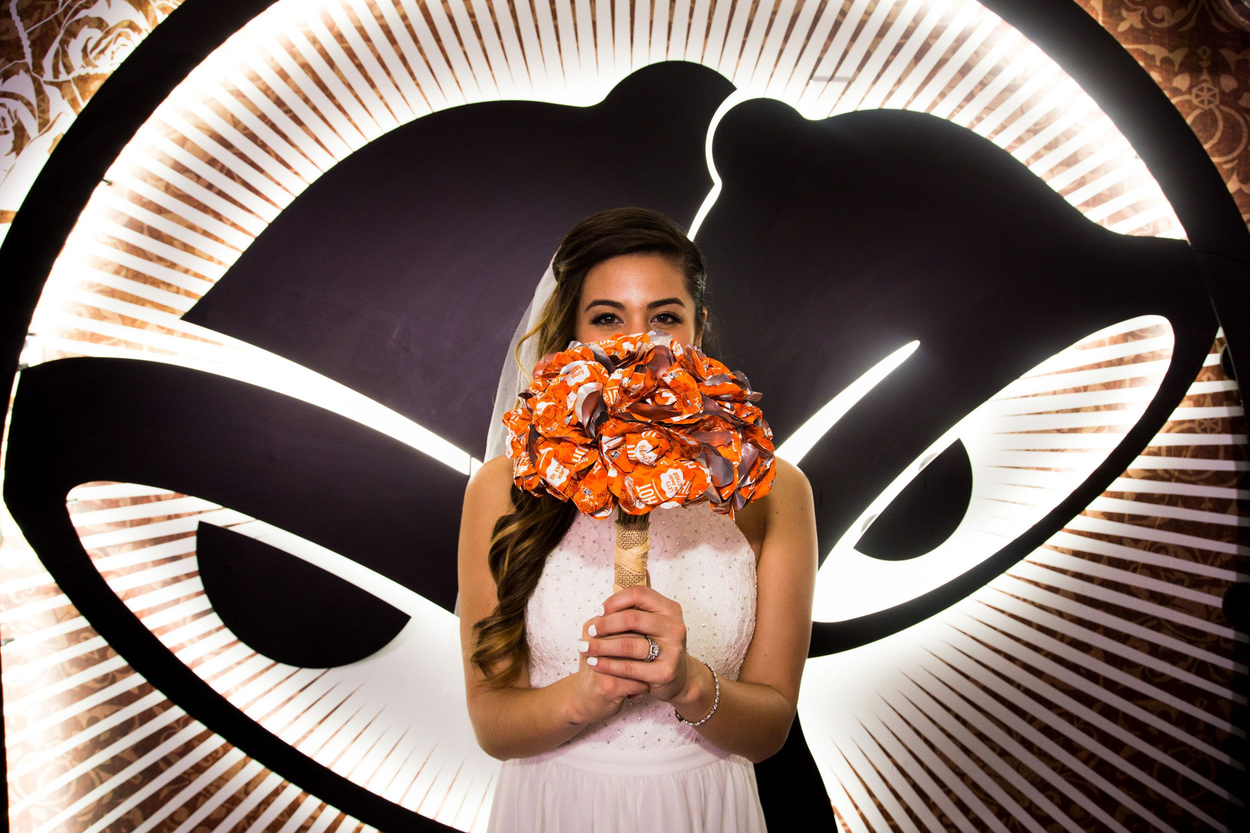 You Can Now Get Married At Taco Bell For 600 Taco Bell Wedding Alternative Wedding Bouquet Taco Bell