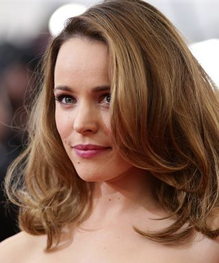 10 Timeless Layered Haircuts That Don T Look Like The Rachel Hair Styles Celebrity Hairstyles Rachel Mcadams