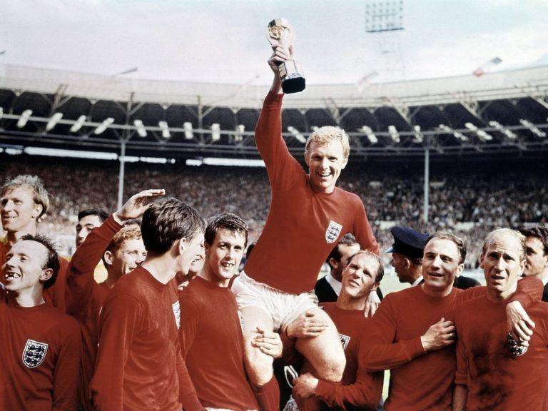 1966 When Football S Solid Gold Jules Rimet World Cup Was Stolen In London In 2020 1966 World Cup World Cup Football Images