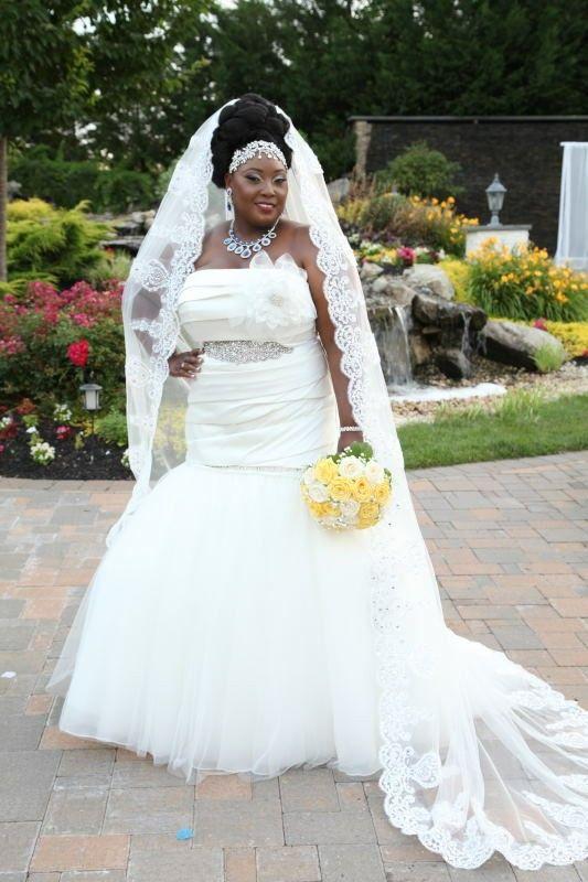 Vera Wang Plus Size Bridal Gown | Plus size bride | Pinterest ...