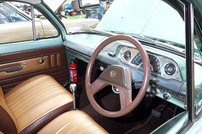 Right steering wheel...