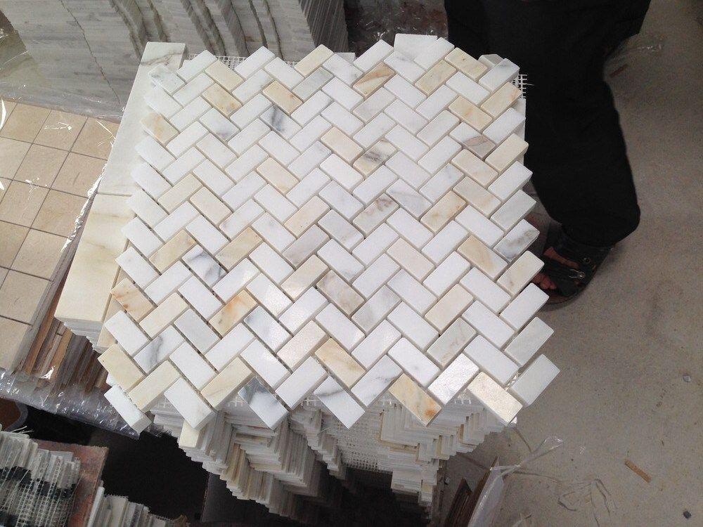 Calacatta Gold Marble Herringbone Mosaic Tile 5 8 X 1 1 4 Tumbled Herringbone Mosaic Tile Calacatta Gold Marble Gold Tile