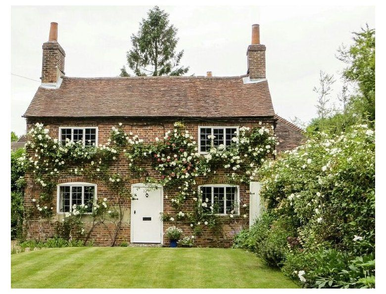 By Georgia Grace English Country Cottage With Climbing Roses Roses Rosegarden Englishcountry Cotta In 2020 Country Cottage Decor Cottage Exterior Country Cottage