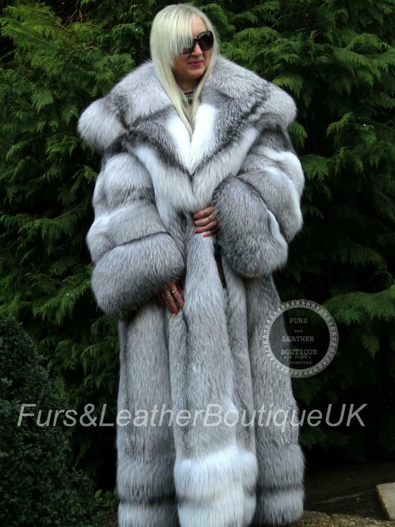 b54dd59b9d2 The fur colour: Genuine/not dyed The fur itself very thick, soft and super  long haired. The coat will look great on Huge Collar. and furriers ...
