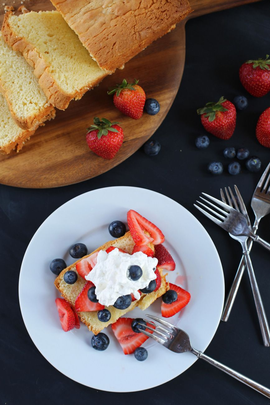 This Cream Cheese Pound Cake Is The Perfect Summer Dessert To Top With Whatever Combination Of Fruits You Hav Cream Cheese Pound Cake Tea Recipes Just Desserts