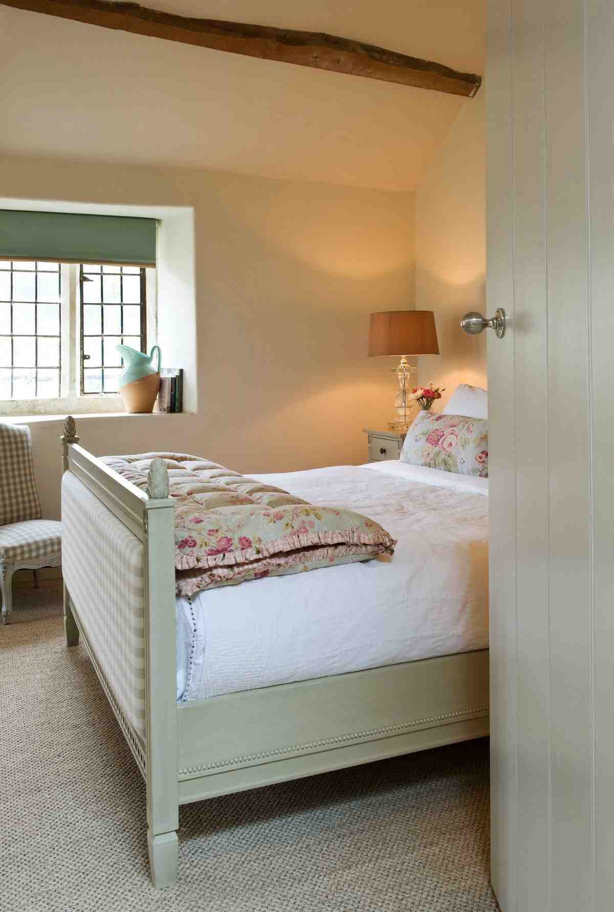 Pin By Marie Dittmer On Cottage Charm Modern Country Bedrooms Country Bedroom Cottage Interiors