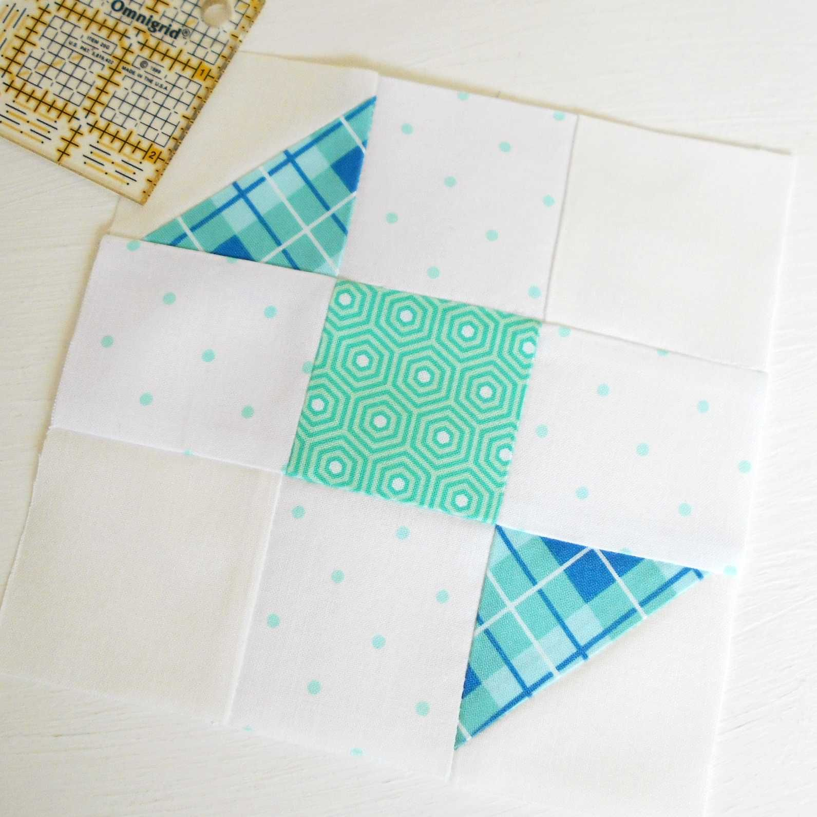 The Splendid Sampler block no. 21 - Sweet Candy.  Another really easy patchwork block.