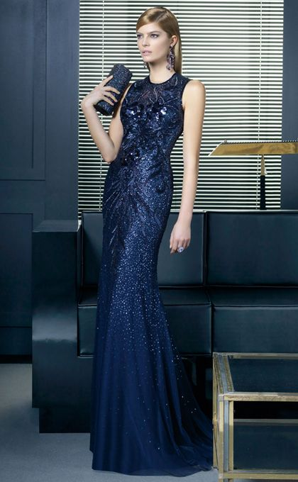 c7817a84d Vestido de noche azul marino de Rosa Clara