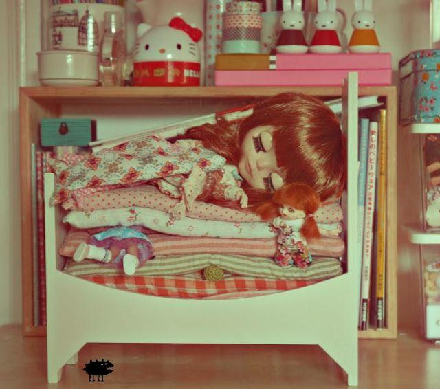 Un monstre sous le lit @Malinda L daily dose of cuteness.