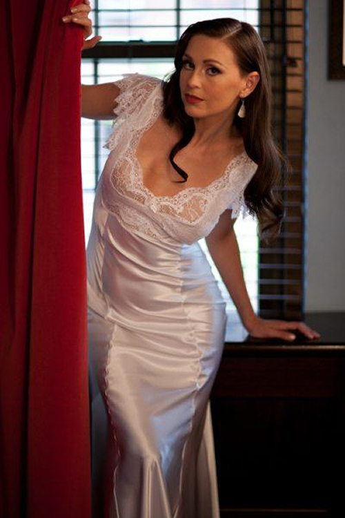"""Boutique: Loves Lingerie. Image: """"Jane Woolrich Nightdress"""" On DirectorySexy: http://directory-sexy.com/boutique/loves-lingerie/"""