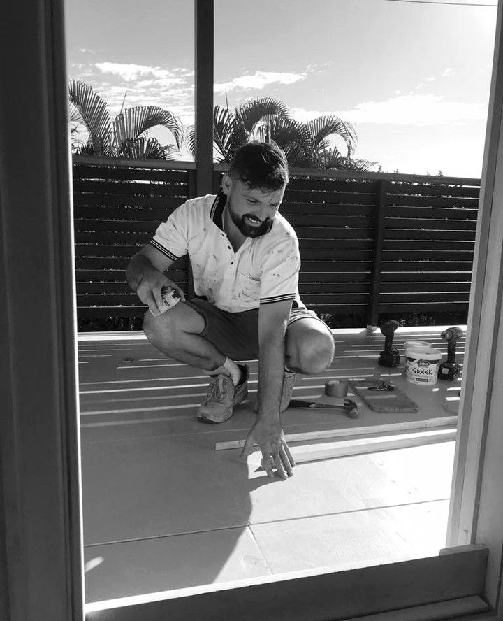 #onthejob 👷🏽 our Master Tiler Danny preparing the deck at our #toowongproject for waterproofing and tiling. Danny has been with Comoda since 2011 and we are eternally grateful for his skills and expertise!⁠ ⁠