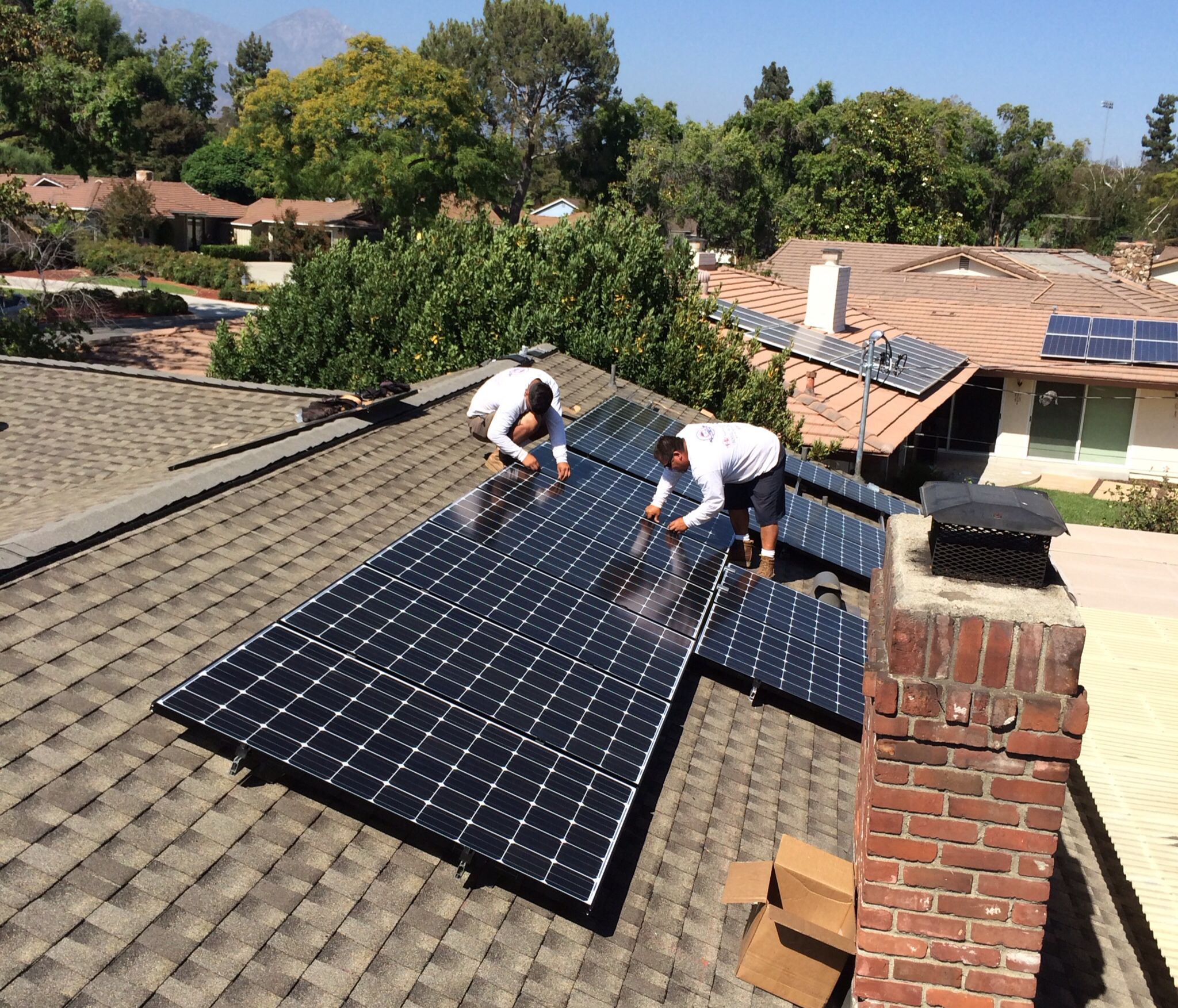 Installing Lg Solar System In Claremont Ca On A Brand New Gaf Golden Pledge Hd Shingle Roof Solar Roof Shingles Solar Roof Roof Shingles