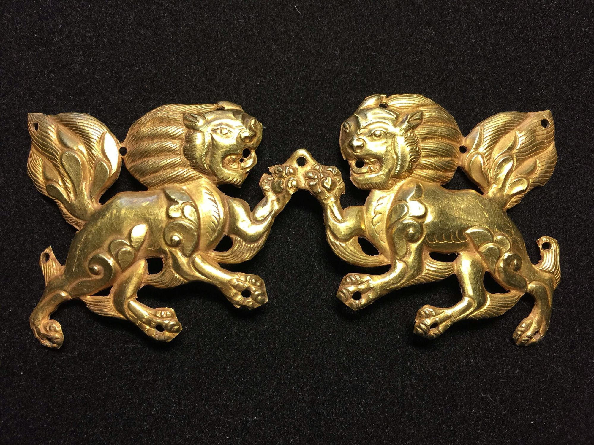 Ancient Tibetan Tubo gold plaque. 7th-9th c. Private collection