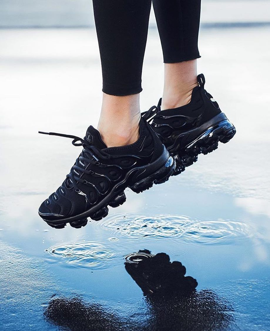 new product cea8d c16b7 Emoji to describe the Air Vapormax Plus | Shoes | Nike shoes ...