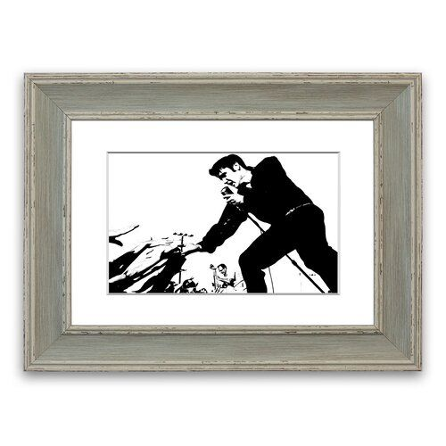 Elvis Presley auf der Bühne' gerahmter Fotodruck East Urban Home Größe 40 cm H x 50 cm B x T, Rahmenoptionen Blau Gallery