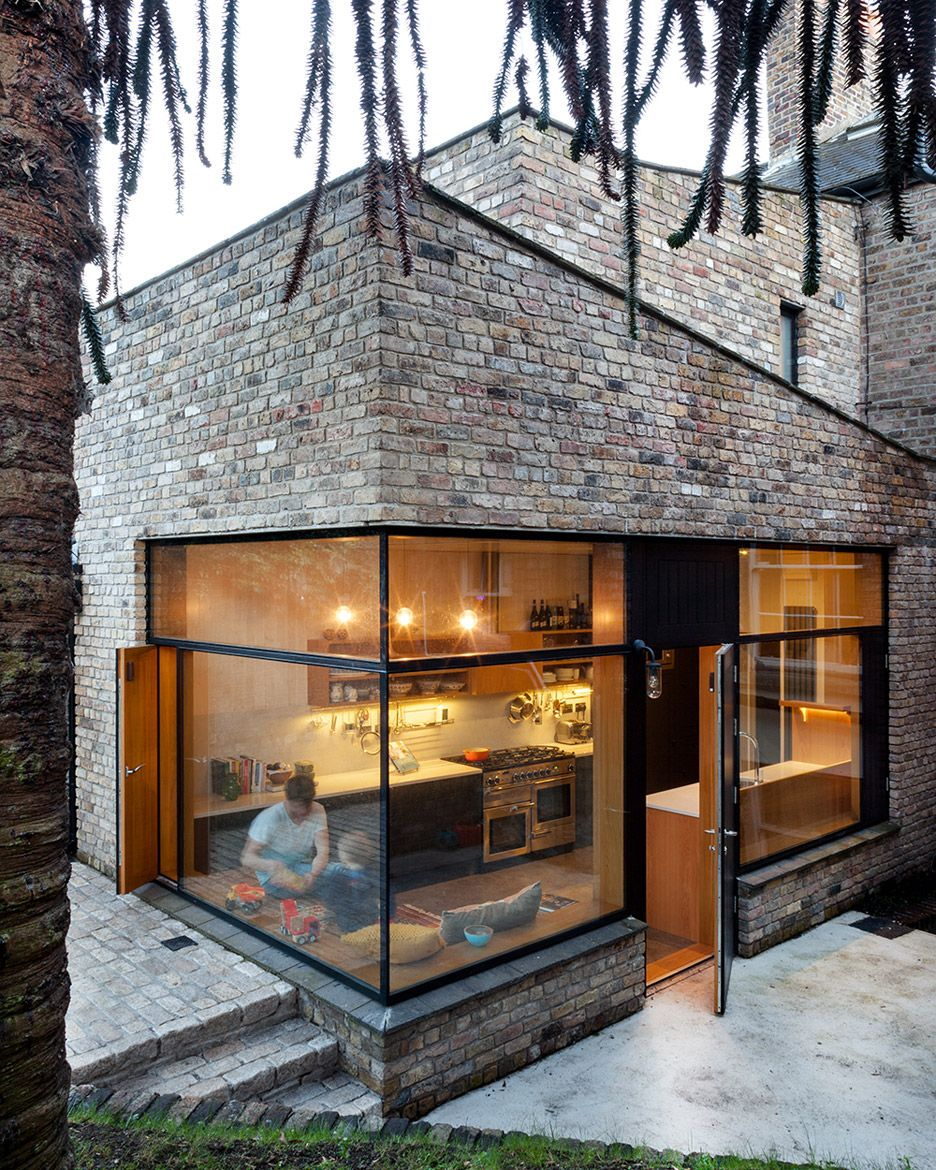 Noji architects extend dublin house with reclaimed bricks for Uses for old bricks