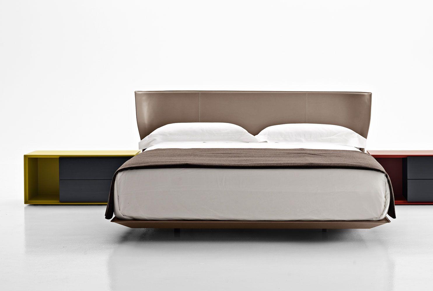 Husk bed b b italia buscar con google muebles for Bb italia muebles