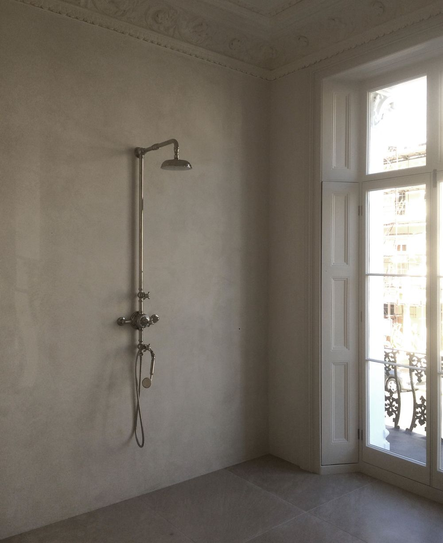 Bespoke white tadelakt waterproof plaster ftw Bathroom