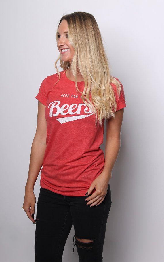 Beer Shirt - Beer Tshirt - Beer Drinking Babe - Vintage Beer - Vintage Tshirt - Graphic Tees for Women - Beer Gifts n7woOHhHJ