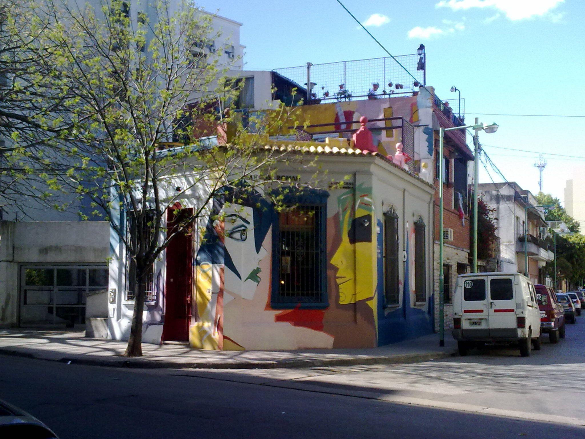 graffitis en la calle honduras palermo soho buenos aires argentina