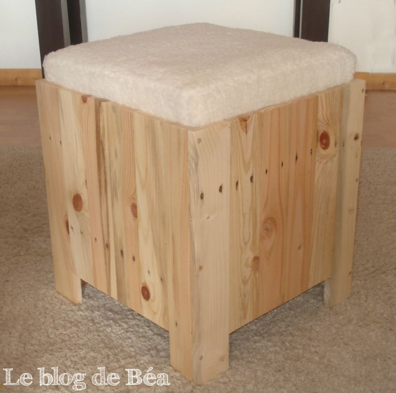 diy astucieux tabouret en bois de palette bois flott pinterest bricolage. Black Bedroom Furniture Sets. Home Design Ideas
