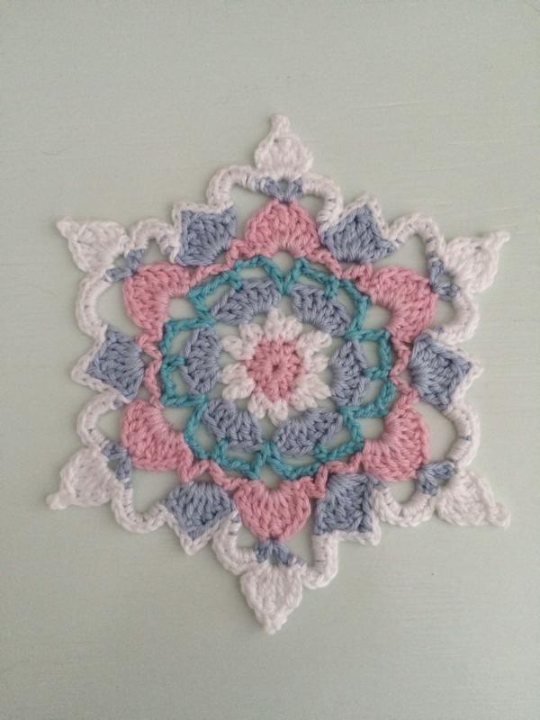 Nettes Deckchen Häkeln Pinterest Crochet Crochet Mandala Und
