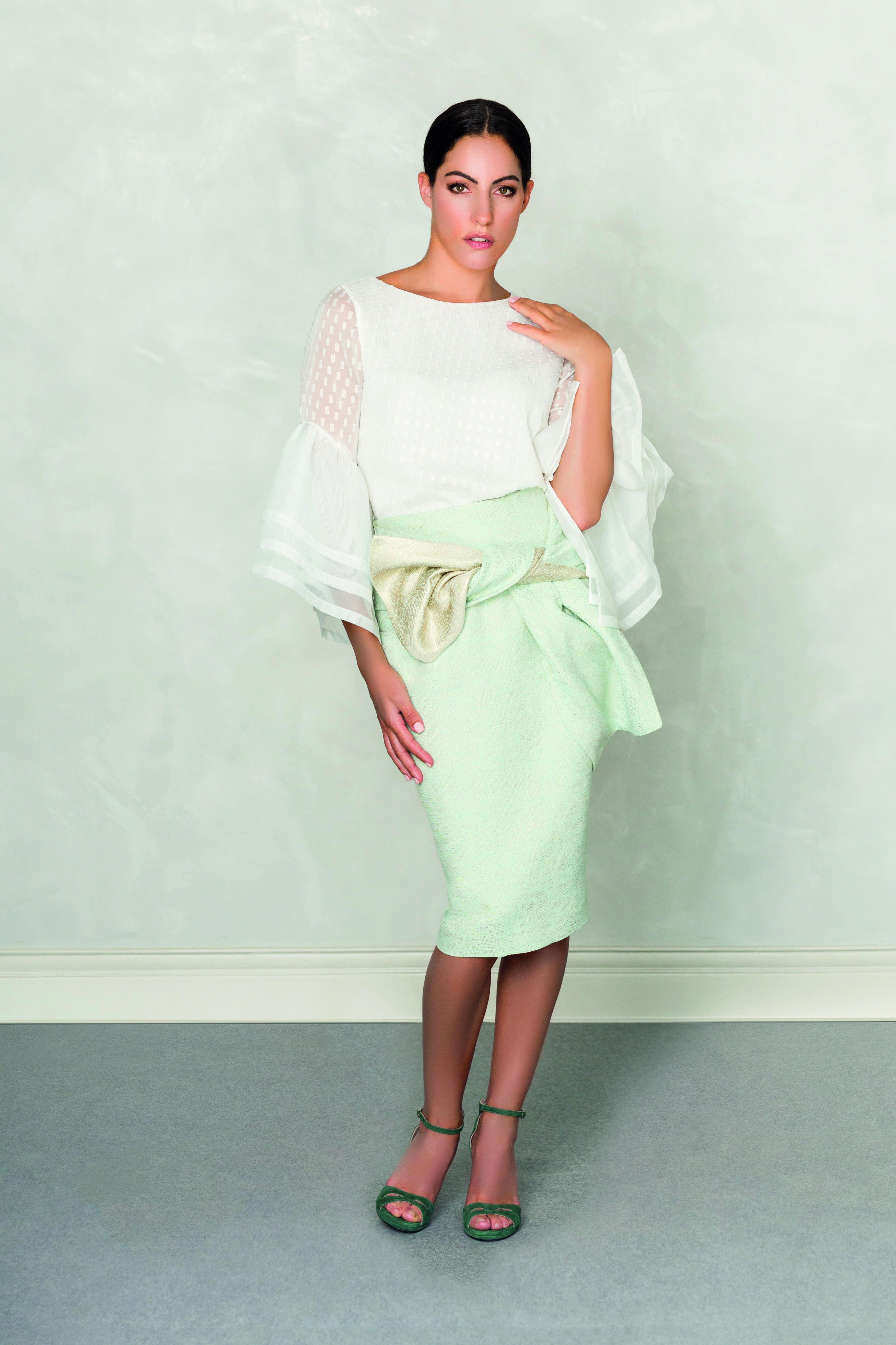 5720b97f4 Conjunto blusa falda para comuniones y eventos de día. | Vestidos ...