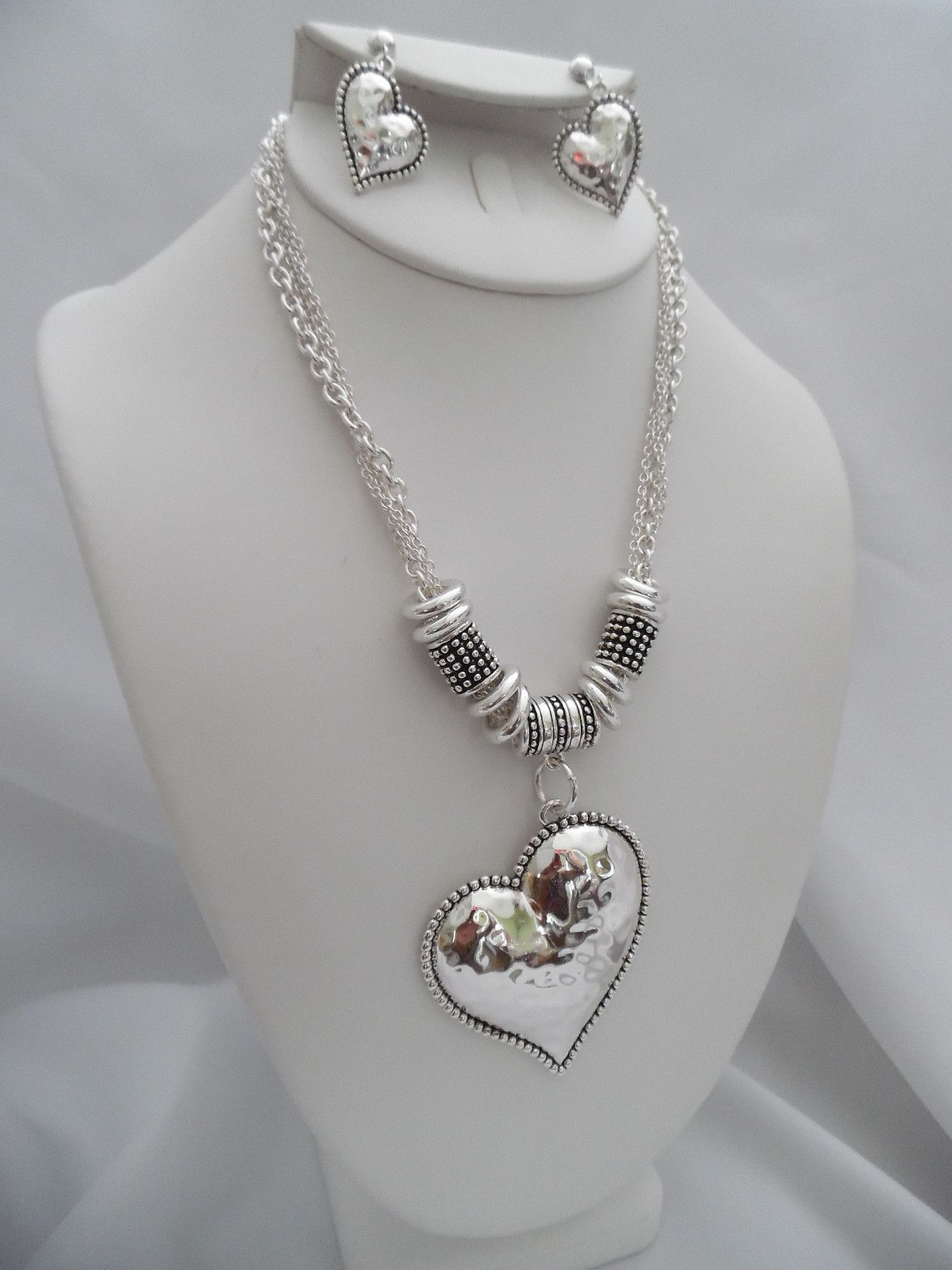 Clip on silver hammered heart necklace u earring set