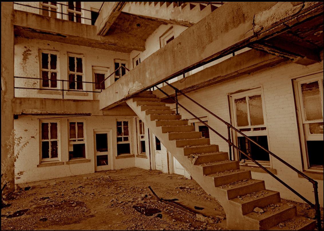 Stairway in Paris, Texas Abandoned buildings, Stairways