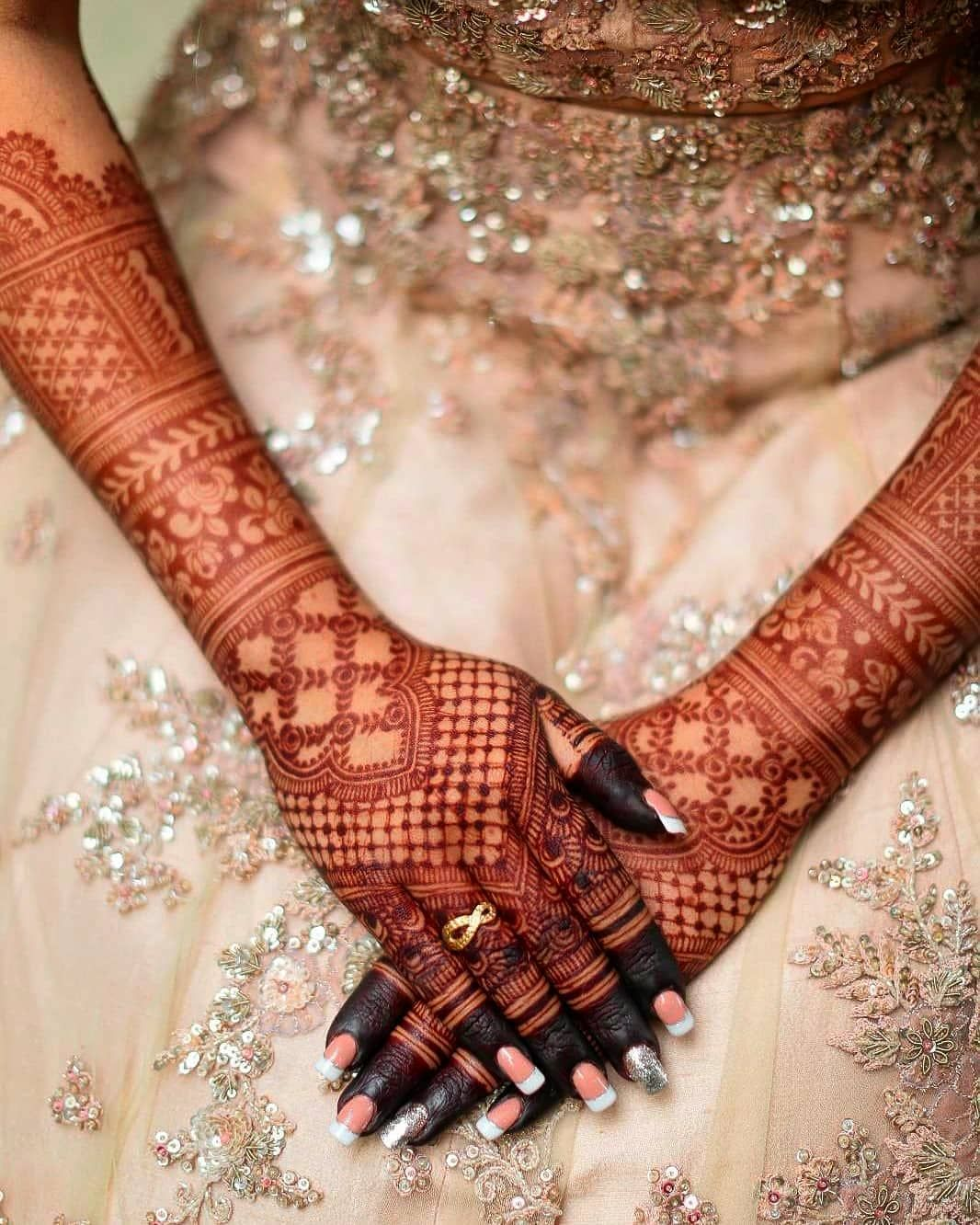 Trending Bridal Mehendi Designs For The New Age Brides In 2020 Dulhan Mehndi Designs Indian Henna Designs Wedding Mehndi Designs
