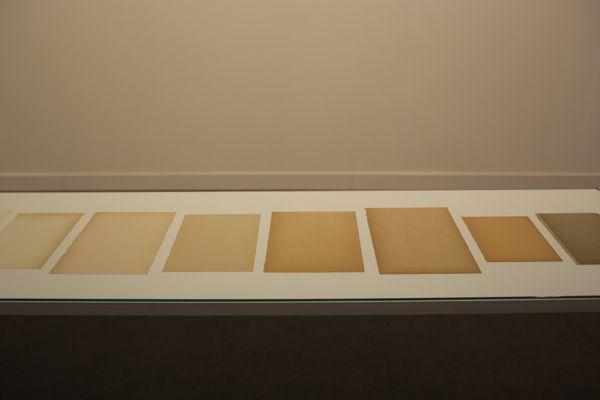 Diez paginas blancas (Ten white pages) by Ignasi Aballi