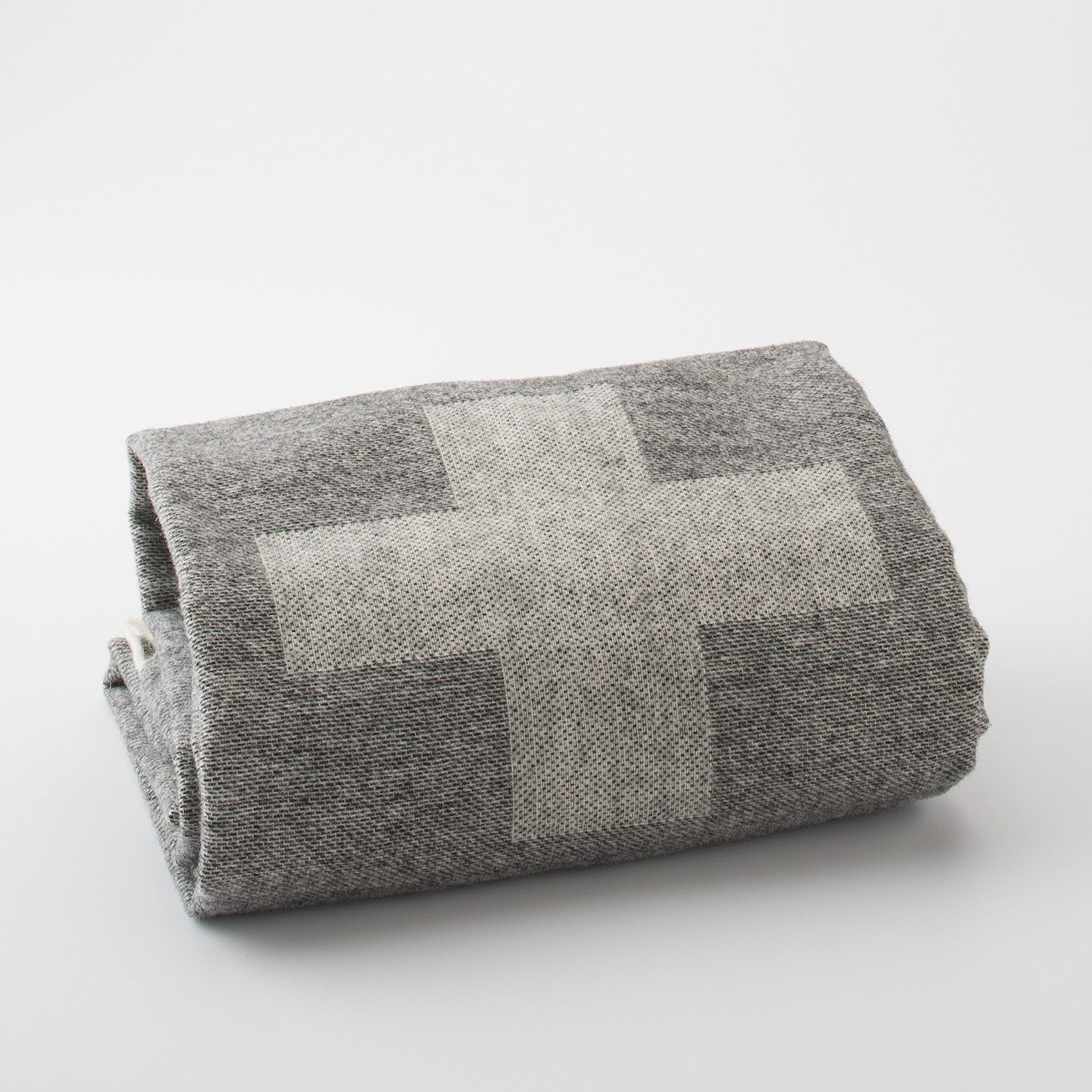 Apartments In Reno Oh: Modern Scout Throw
