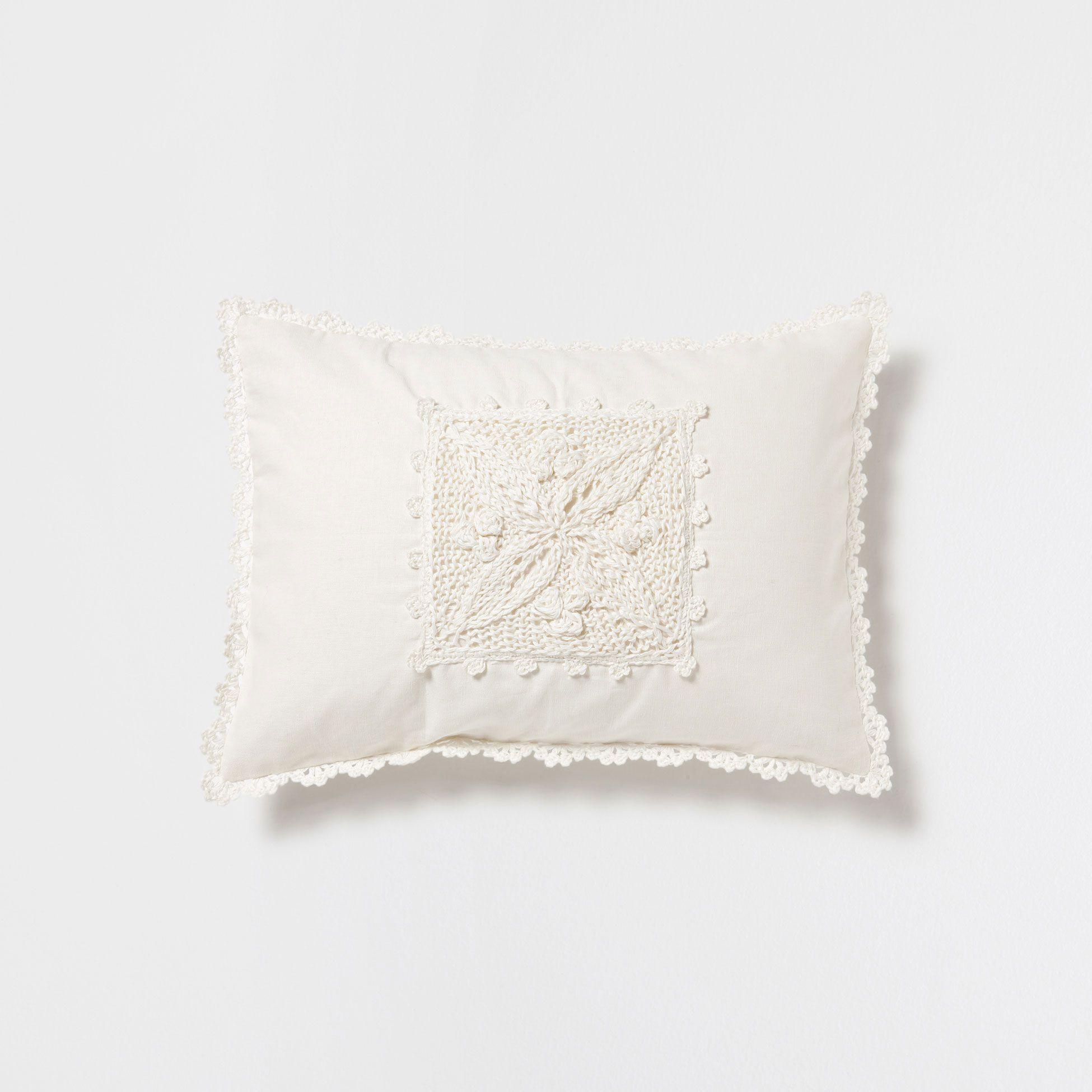 Linen And Crochet Pillow Decorative Pillows Bedroom Zara Home United States Kirlent Yastiklar