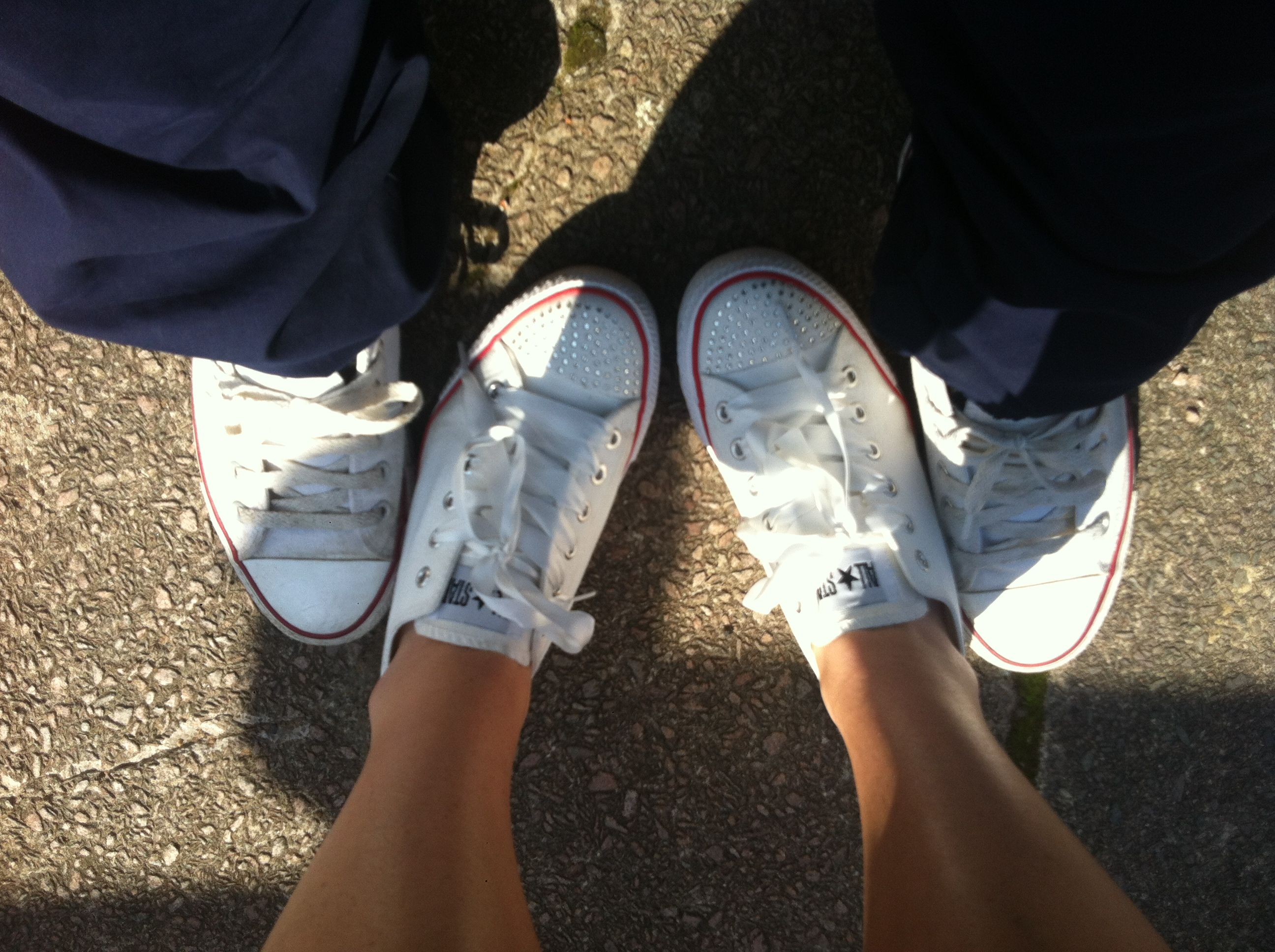 b42dcce90adc Converse.. Girlfriend n boyfriend matching converse